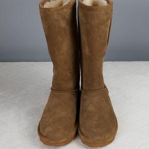 NWOT Emma Tall Tan BearPaw Boots size 8